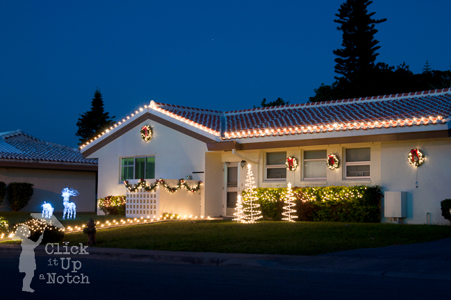 5 Easy Steps to Photograph Christmas Lights - Click it Up a Notch